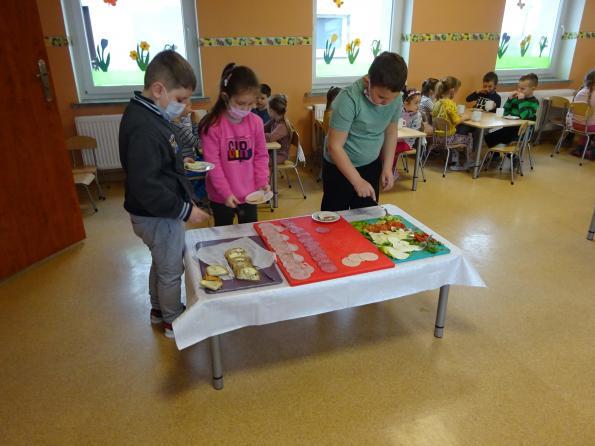 Szwedzki stół na śniadanie