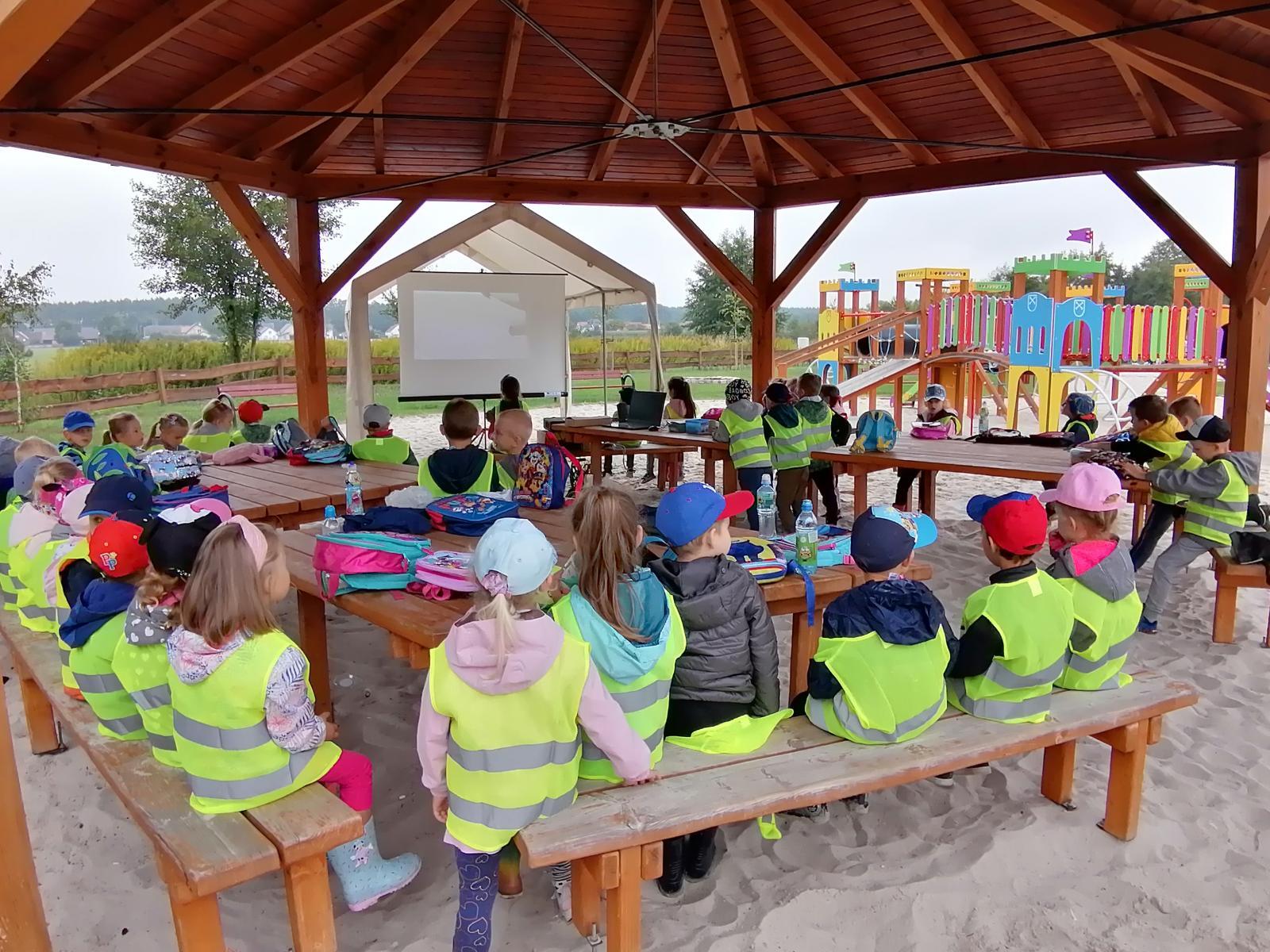 Wycieczka na kąpielisko w Nowych Siołkowicach w ramach akcji Sprzątanie Świata